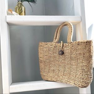 Wicker Hand Bag with Button Closer